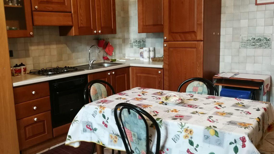 La cucina della casa del lago